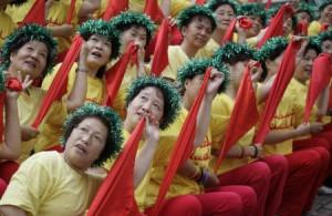 北京五輪控え、「チアリーダー」が練習