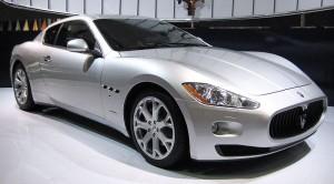 フリー百科事典『ウィキペディア(Wikipedia)』:Maserati GranTurismo.JPG
